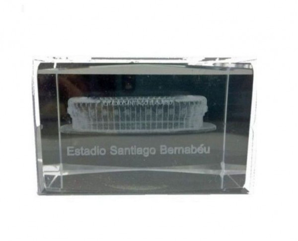 Cubo cristal Estadio Santiago Bernabéu 3D en su interior